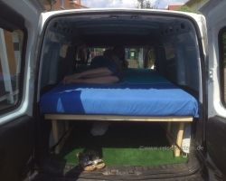 Opel Combo mit Liegefunktion